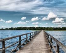 Širvėnos ežero tiltas vasarą