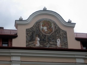 Iškalbingas portalo dekoras
