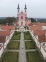 Vyrių vienuolyno vidinis kiemas